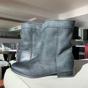 (NWOT) Frye Cara Short Black Pebbled Leather Boot